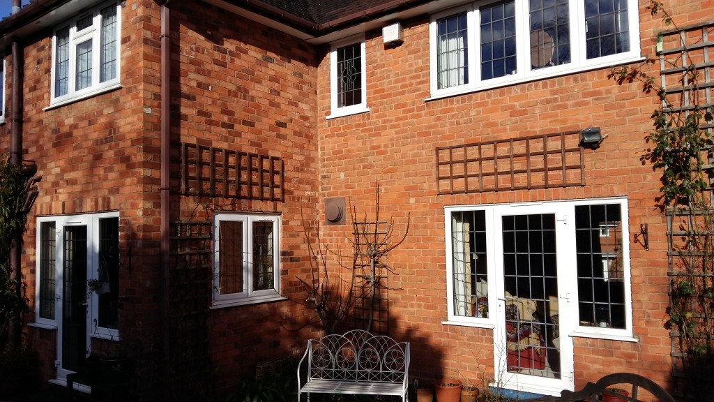 oliver window cleaner house three