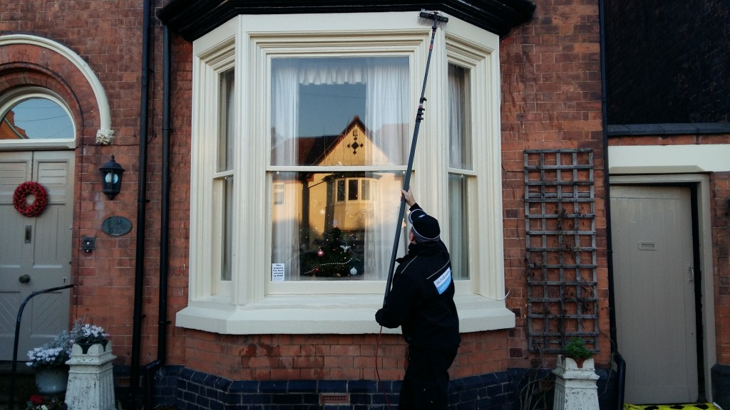 rob doing bay oliver window cleaner